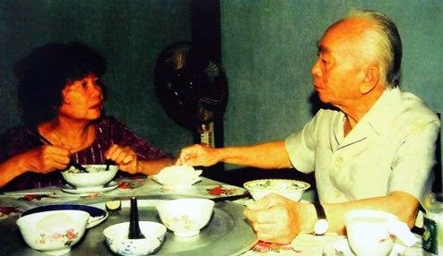 Bữa cơm của đại tương Võ Nguyên Giáp và người vợ thứ hai - giáo sư Đặng Bích Hà